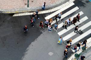 zmiany w kodeksie drogowym. Ochrona pieszych i utrata prawa jazdy